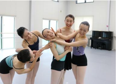 カヨ・マフネ クラシックバレエスクール